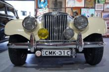 Vintage, collectables & estate auction plus vintage cars & motoring memorabilia