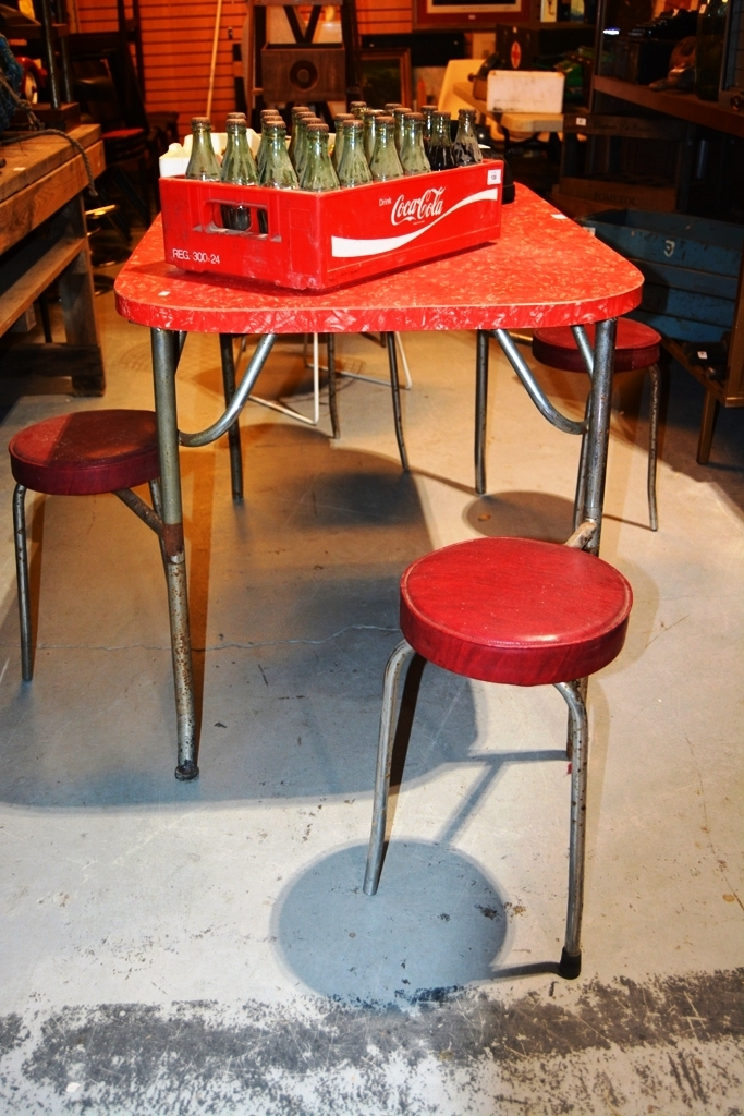 1950s kitchen table fitted with 4 fold out stools red marbl for Red fitted kitchen