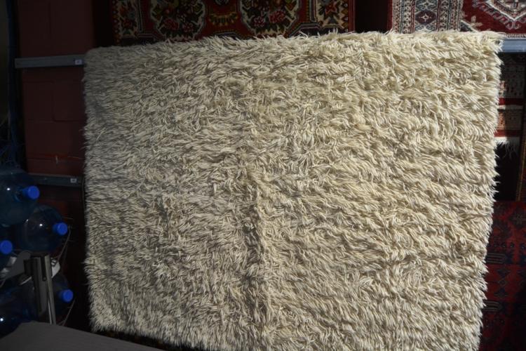 off white flokati style rug ex ikea 170 x 240cm. Black Bedroom Furniture Sets. Home Design Ideas