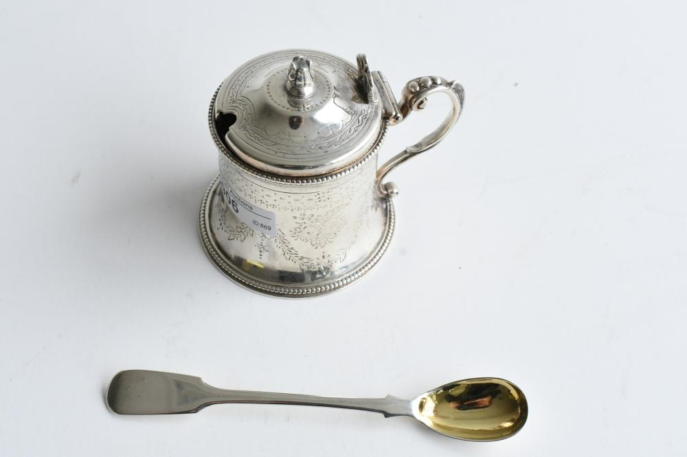 19th C Sterling silver mustard pot with blue glass liner, pot 8 cm. (3.15 in.), spoon x 13.50 cm. (x 5.31 in.)