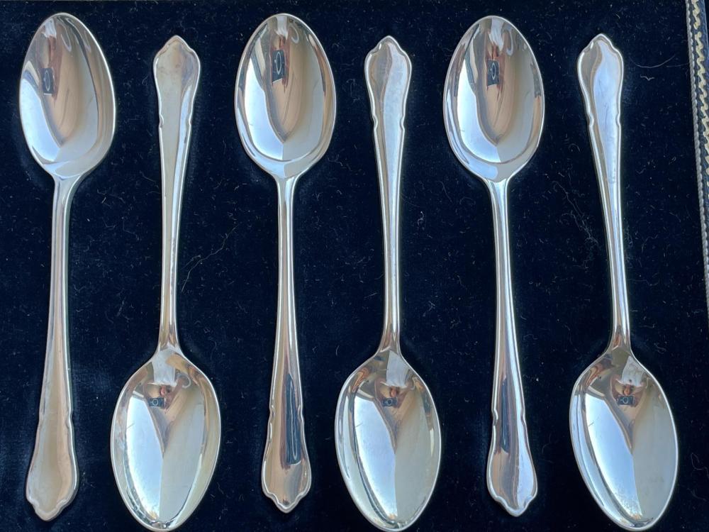 Set of six English sterling silver teaspoons