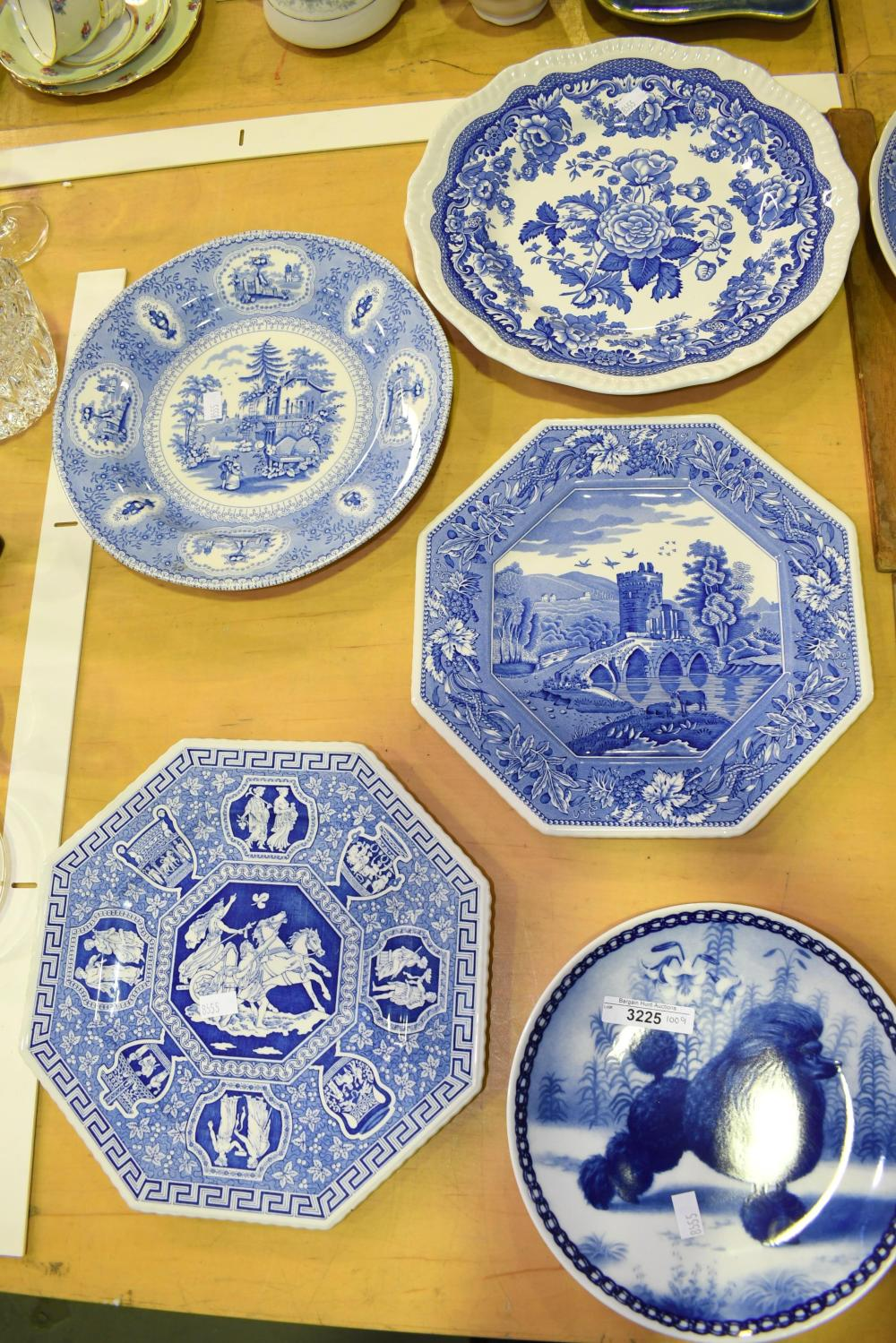 Five assorted blue and white plates incl