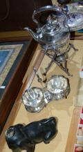 EPNS ware incl. teapot on sprit burner stand,