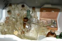 Qty of vintage bottles, incl. rare Hoadley Rising