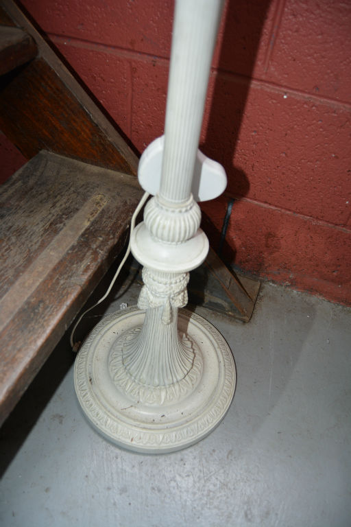 White painted victorian style floor lamp no shade for White painted floor lamp