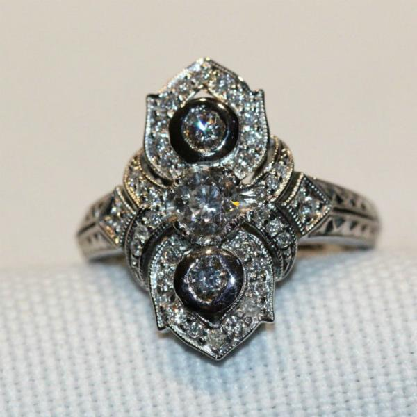 18ct white gold & diamond fancy dress ring,