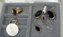 Qty of jewellery to incl. earrings,