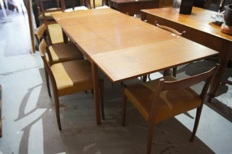 1960s teak extension dining table with a set of 6 matching c : H4097 L116302159 from www.invaluable.com size 750 x 496 jpeg 35kB