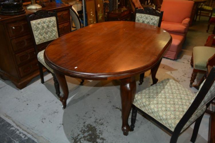Early 20thc Queensland Maple Dining Table