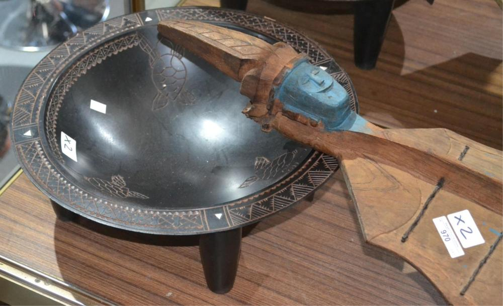 2 Oceanic items incl. hand carved timber bowl
