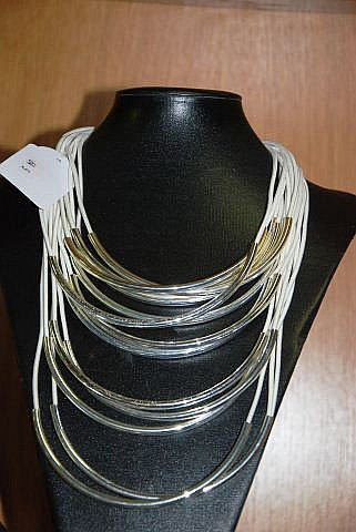 Modern design necklace