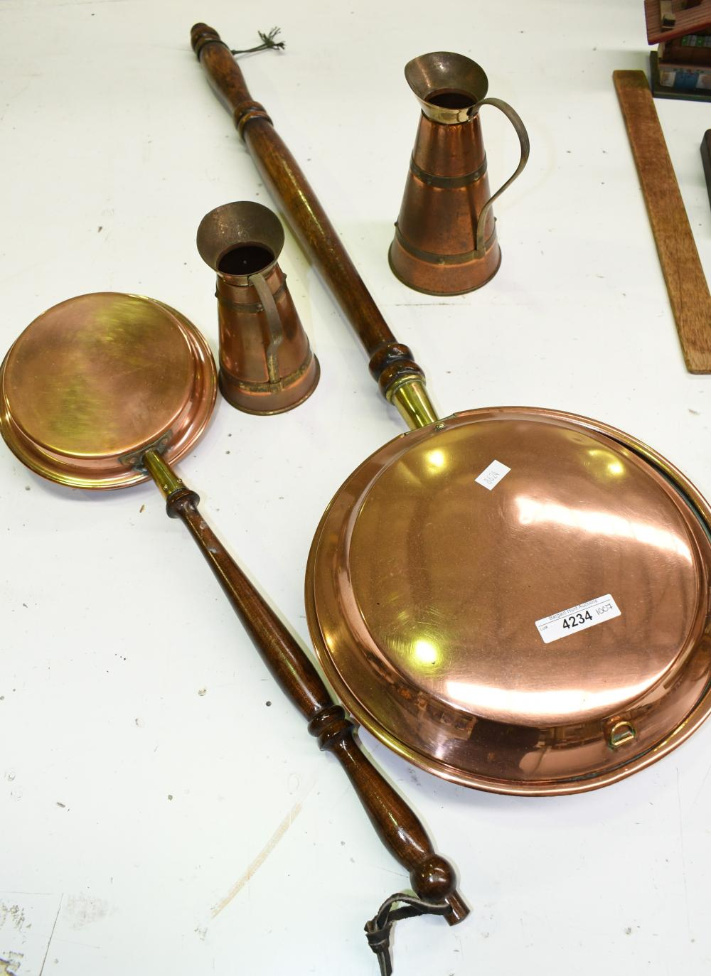 Collection of copper ware incl, Largest bed warming pan is 85cm L