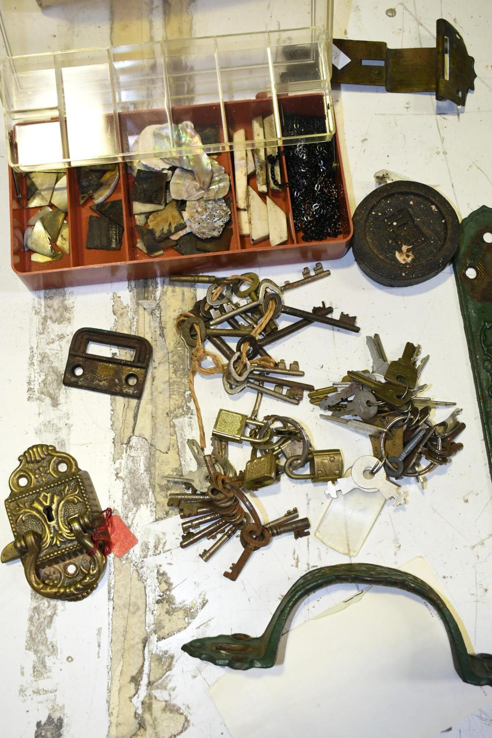 Collection of keys incl