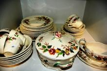 Qty English made Grindley table wear - 'Rosalind' pattern, setting for 6 to incl. lidded double handled tureen - missing 1 x large dinner palte