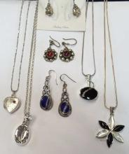 Qty of sterling silver jewellery, to include; earrings, heart locket on chain, onyx pendant & onyx and mop pendant.