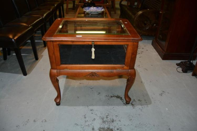French Style Display Table Lift Up Lid