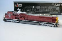 Kato EMD SD90/43MAC, model locomotive,