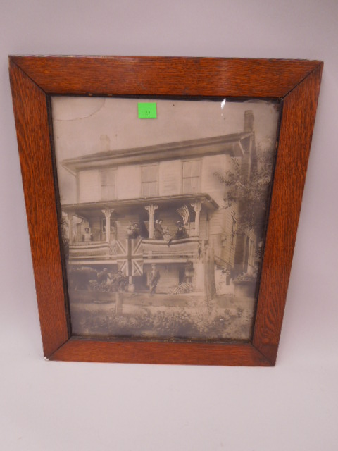 Photo Turn of the Century American Home