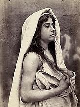 Gloeden, Wilhelm von: Portrait of a girl