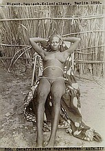 Africa / Arabia: Nude studies of women