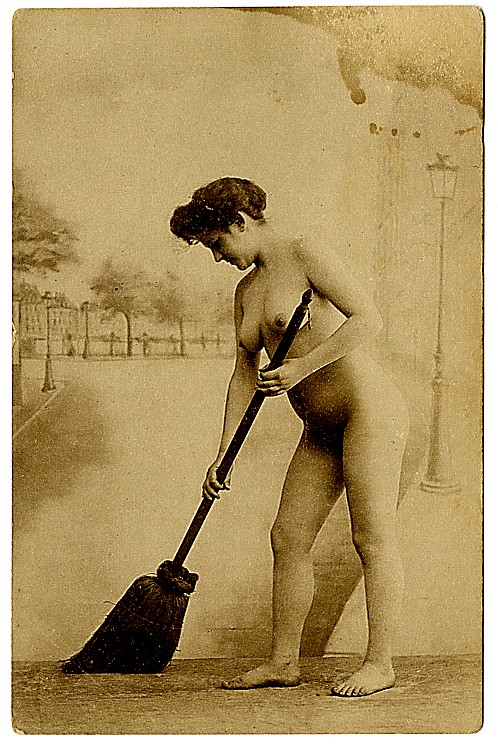 Seven photo postcards of nudes.