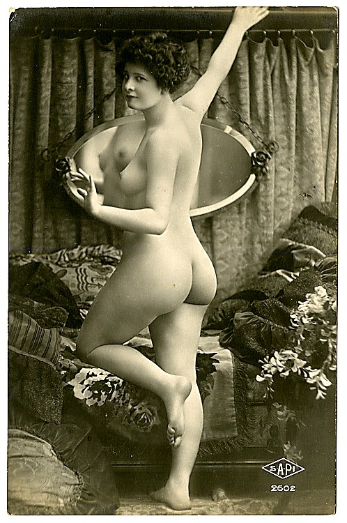 Six photo postcards of nudes.
