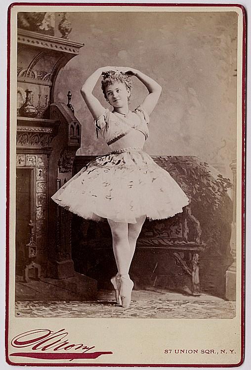 Helene Menzelli in ballet costume