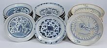 Tek Sing Cargo - Thirty Chinese porcelain plates: