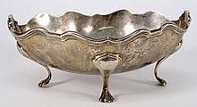 A Edward VII silver serving dish, maker Elkington