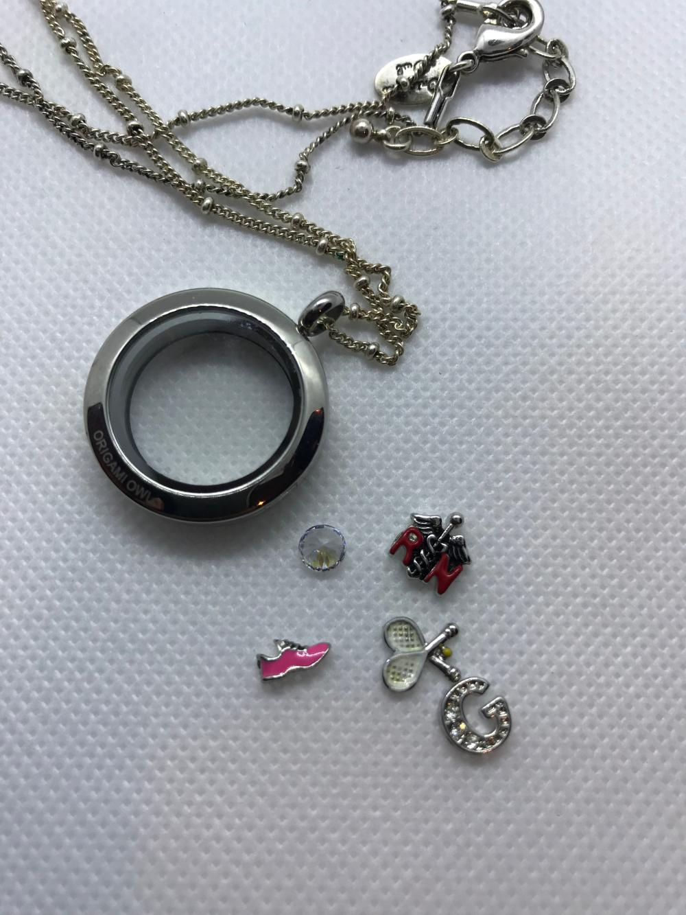 Origami Owl Jewelry | Set Of 4 Charms And A Window Plate | Poshmark | 1333x1000