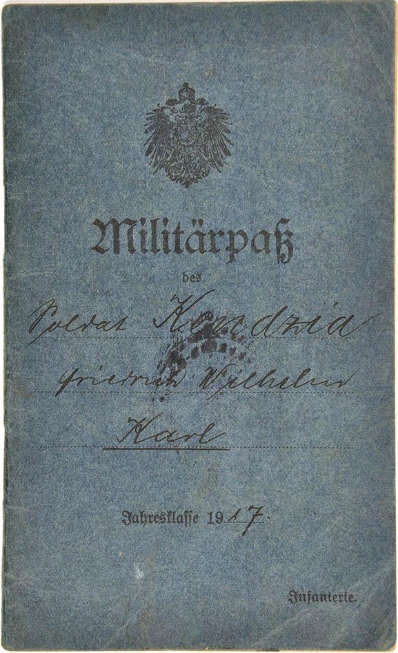 MILITÄRPAß EINES SOLDATEN