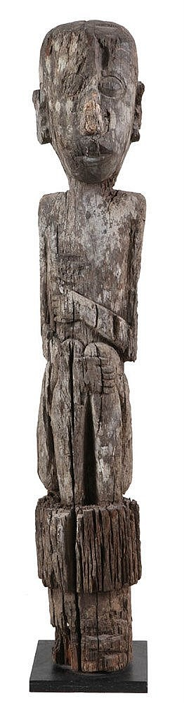 Antropomorphic pole. Wood. Probably Madagascar.