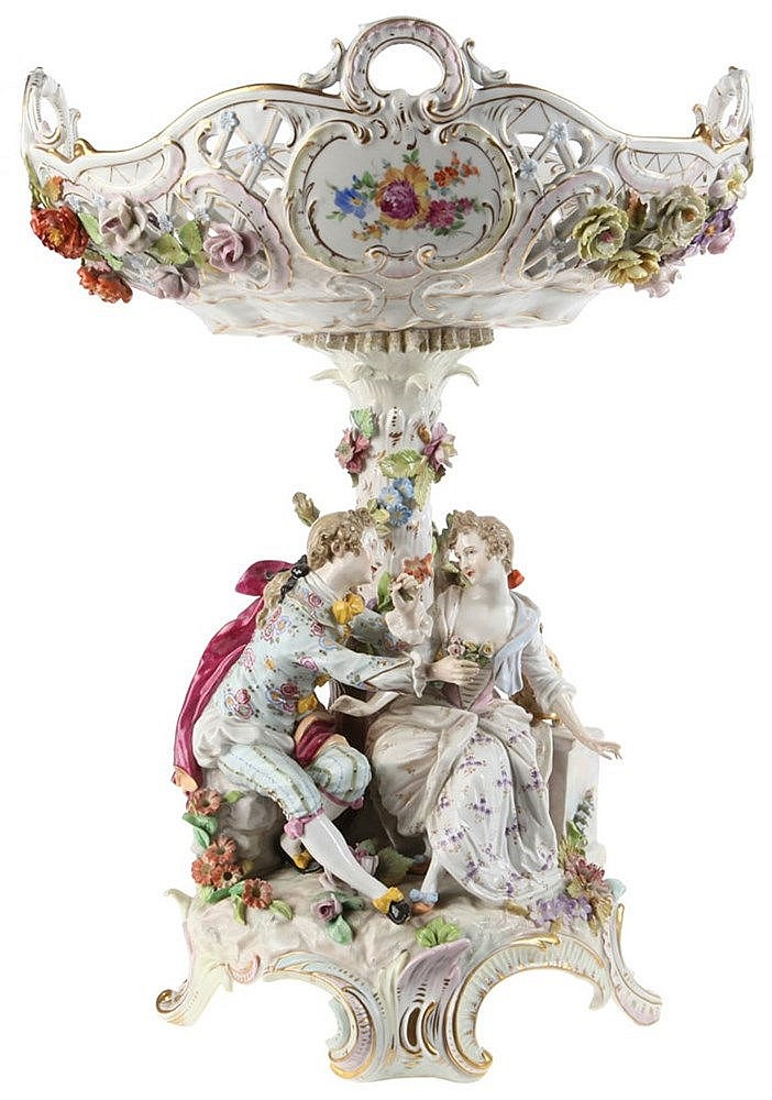 Potschappel porcelain center piece by Carl Thieme. Gondola-shaped openwork body above a column-shaped stem covered with foliage, flanked by a romantic couple.