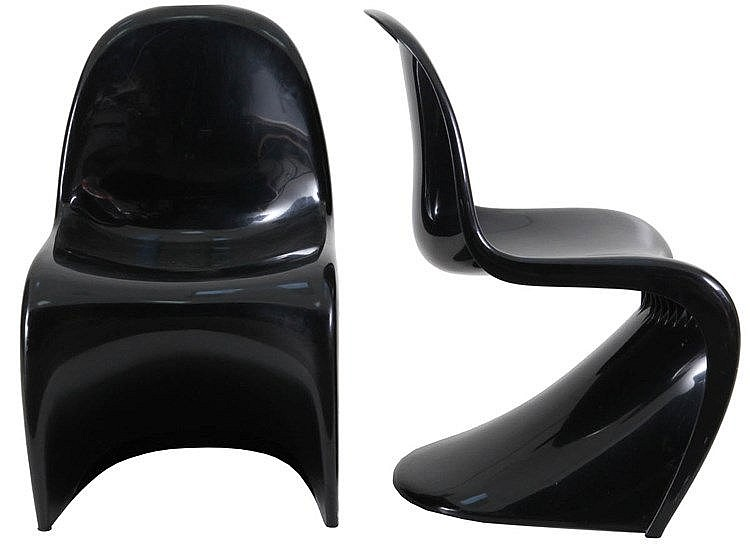 VERNER PANTON (1926-1998) / HERMAN MILLER Pair of 'Panton' chairs. Bla