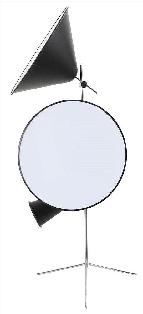 TOM DIXON(1959) Floor lamp, tripod and conical lampshades. Design from