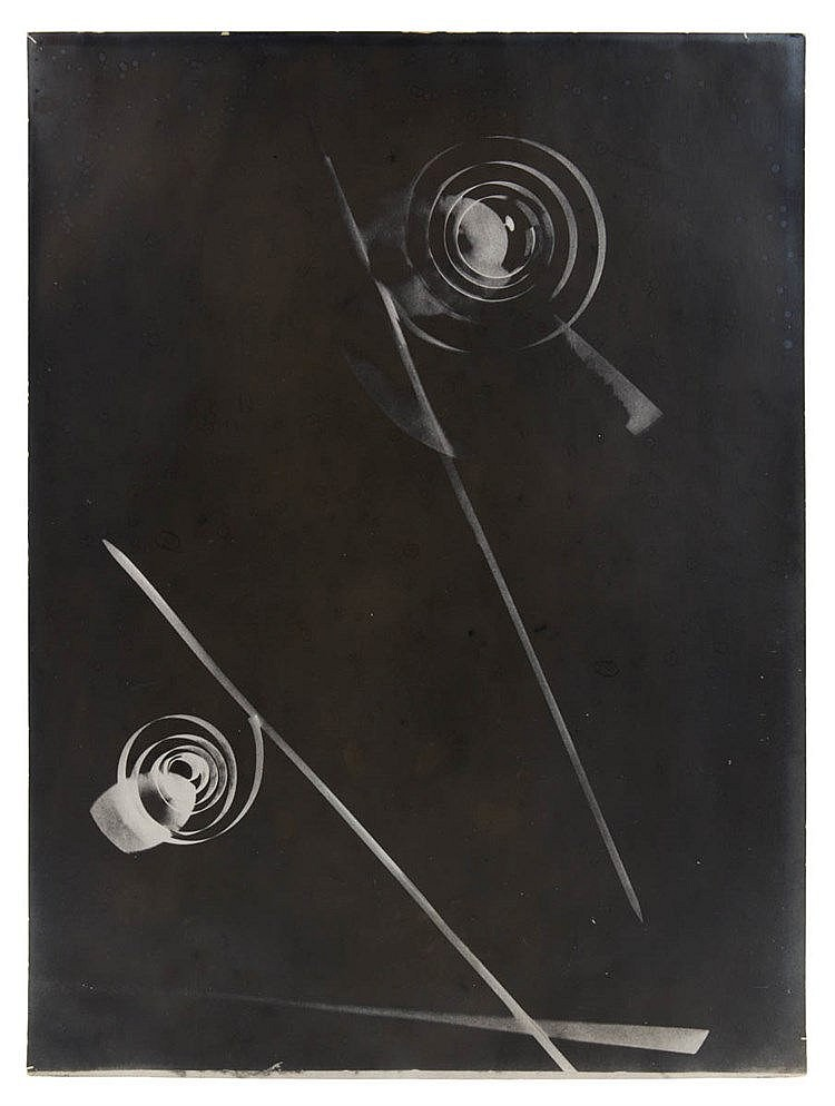 LÁSZLÓ MOHOLY-NAGY (1895-1946) Gelatin silver print. Enlargement. Sign