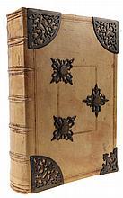 (antifonarium) Een vermoedelijk 16e (Iberisch) eeuws antifonarium. In-fol. 260 bladen. Perkament. Met kapitalen in rood en blauwe calligrafie. Bladen met restauraties.