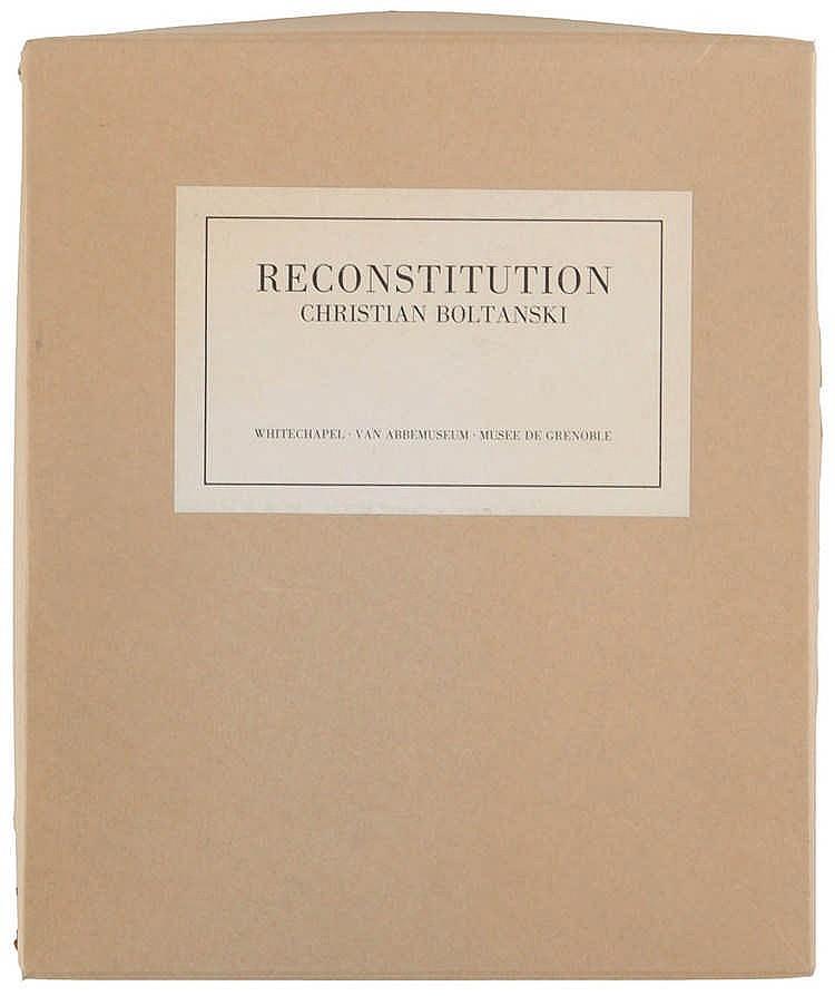 (Boltanski) Christian Boltanski, Reconstitution. Trustees of the Whitechape