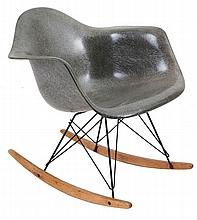 CHARLES & RAY EAMES (1907-1978) / HERMAN MILLER ZEELAND MICHIGAN