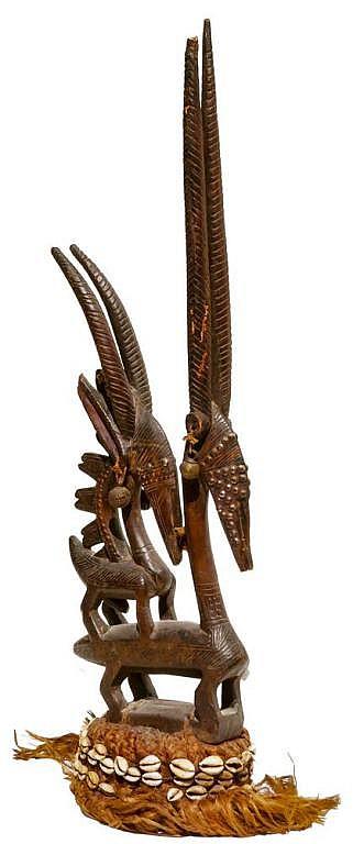 cimier tyi wara antilope portant son petit sur le dos bois. Black Bedroom Furniture Sets. Home Design Ideas