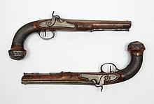 Rare paire de pistolets d'Officier d'Etat-Major modèle AN XII, de « Boutet Manufacture à Versailles », à silex transformé à percussion, attribuée au Chef d'escadron Guiot, des Chasseurs à cheval de la Garde impériale. Canons ronds, à méplats sur le
