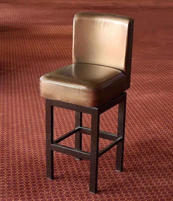 Chaise bronze bon tat mati re cuir quantit 10 for Chaise salon cuir