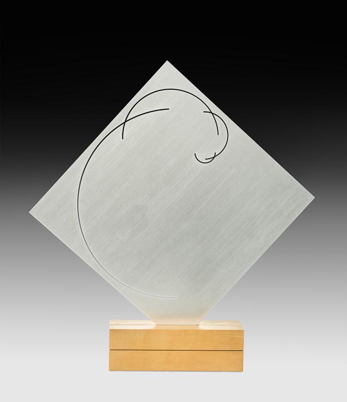 Mary Vieira (1927–2001)  lumière-espace : zeit einer bewegung