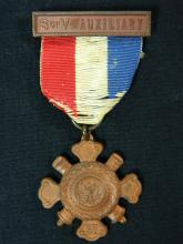 Lot 33: Spanish American War S of V Auxiliary Medal