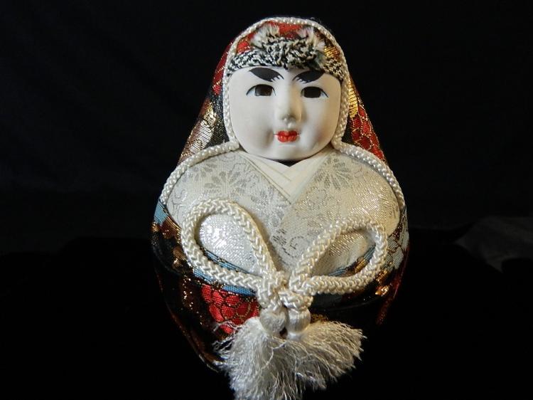 Lot 116: Set of 5 Decorative Japanese Dolls