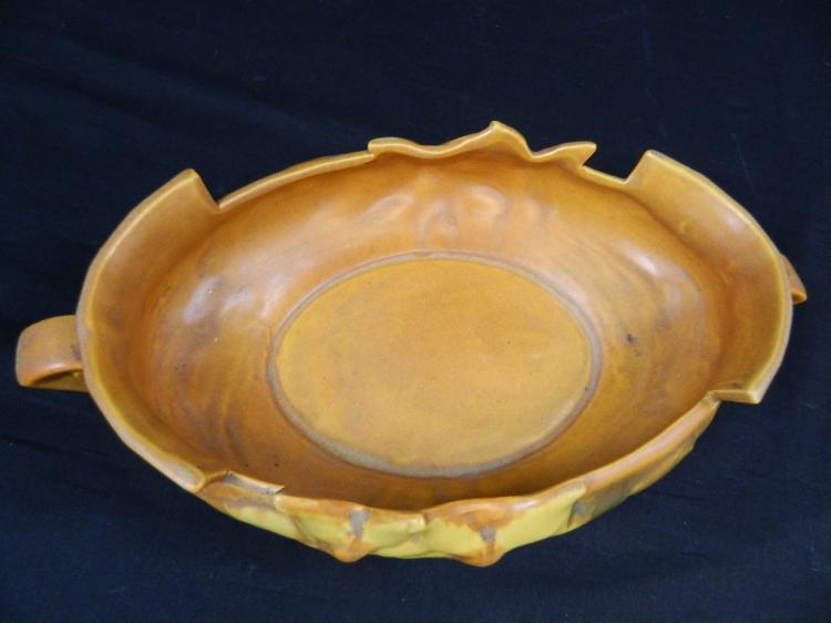 Lot 176: Vintage Roseville USA Pottery Bowl # 460