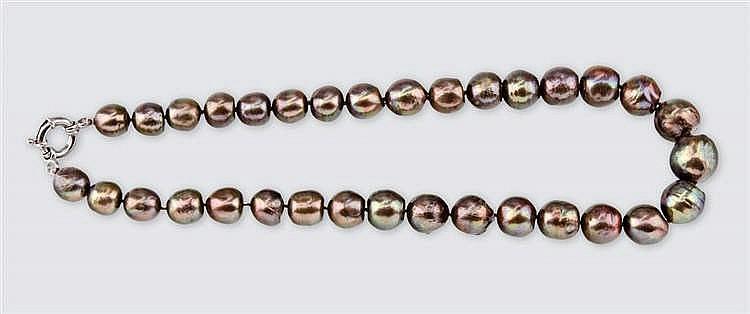Brown verlauf pearl necklace