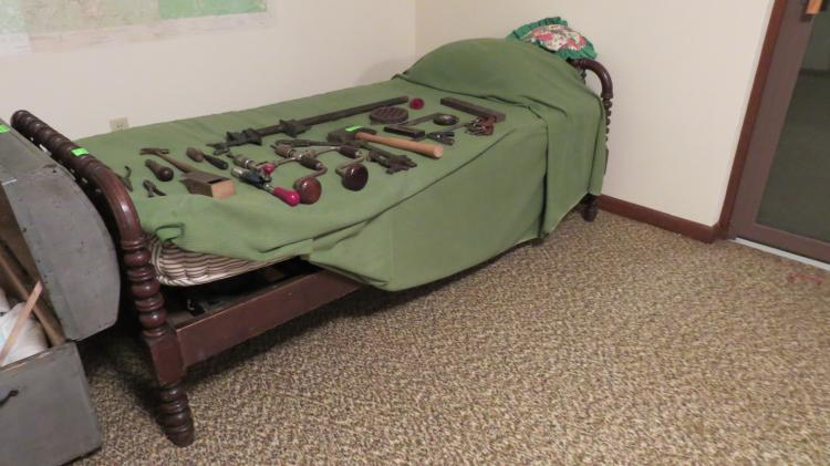 Walnut Twin Sides Spindle Bed