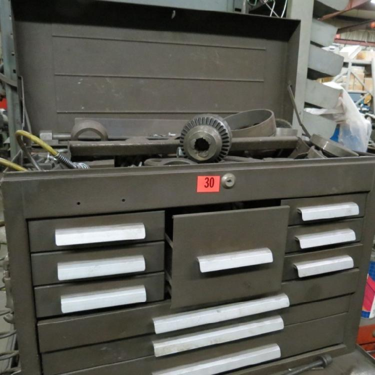 ROLL AROUND TOOL BOX & CONTENTS