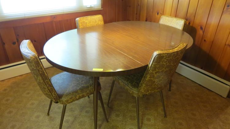 1960's Dinette Set Table & 4 Chairs